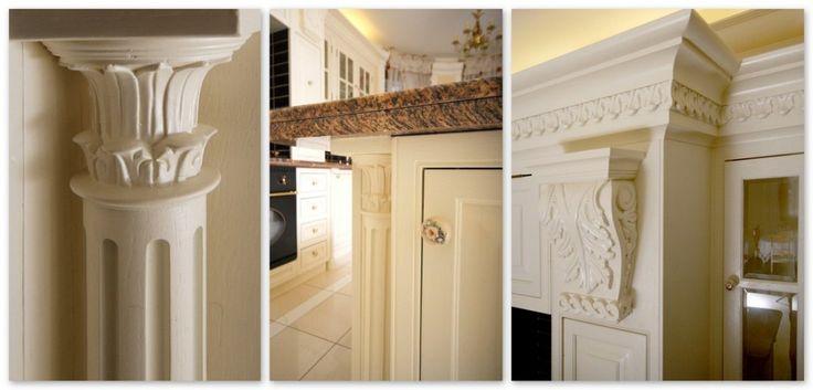 Portale, rzeźbione głowice w drewnie dębowym. Zdjęcia z realizacji kuchni dębowej na wymiar w podmiejskiej rezydencji. || Gates, oak sculptures in the kitchen from residence