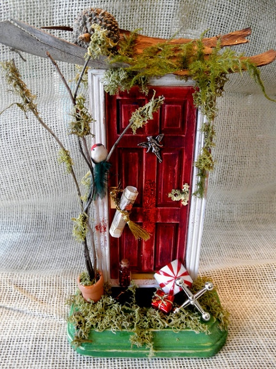 Fairy door. I just need this. I just do!
