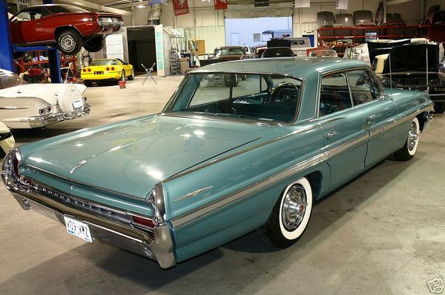 1962 Pontiac Bonneville Vista...Re-pin brought to you by agents of carinsurance at houseofinsurance in Eugene, Oregon