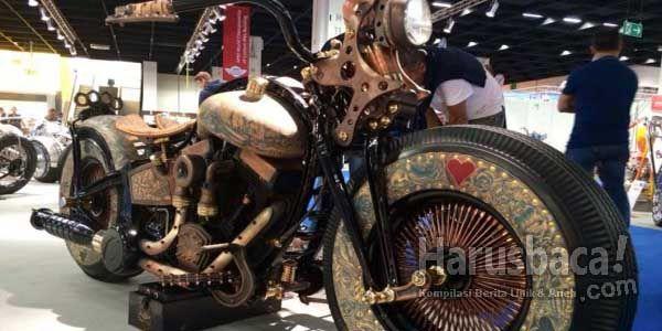 Inilah Sepeda Motor Ditato Pertama di Dunia