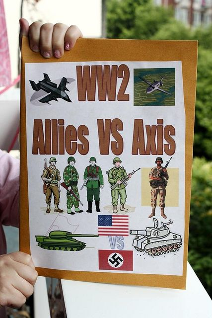 Cycle 2 Week 16&17 History. WWII lapbook cover by jimmiehomeschoolmom, via Flickr