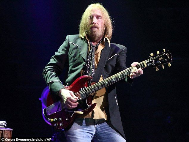 Rock star Tom Petty has revealed in a new biography that he was a heroin addict in the 1990s