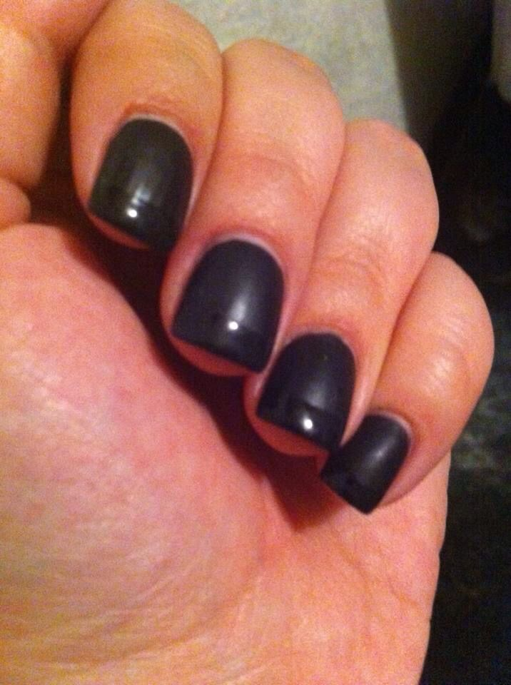 Total black acrylic nails