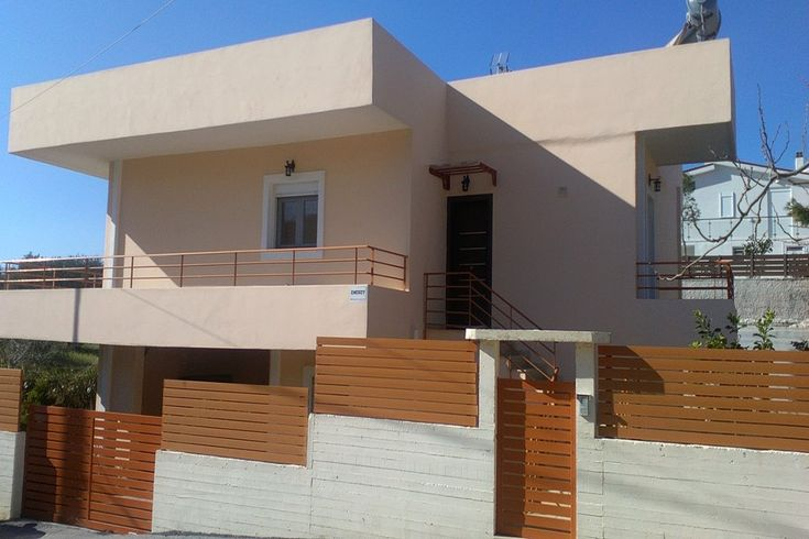 In the Municipality of Saronikos in East Attica and specifically in Anavyssos area, available for sale seaside detached house with total surface 170 sq at 2 independently levels, close to the beach and overlooking in Sea.