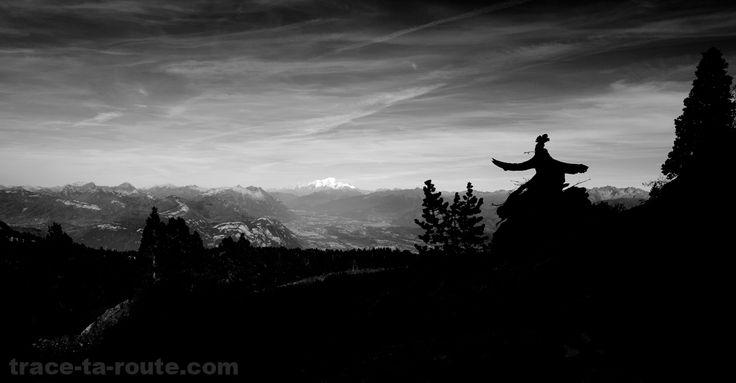 Le Mont Blanc, la Combe de Savoie et le Massif des Bauges, depuis le plateau du Granier (Chartreuse) - édouard photographie © Trace Ta Route