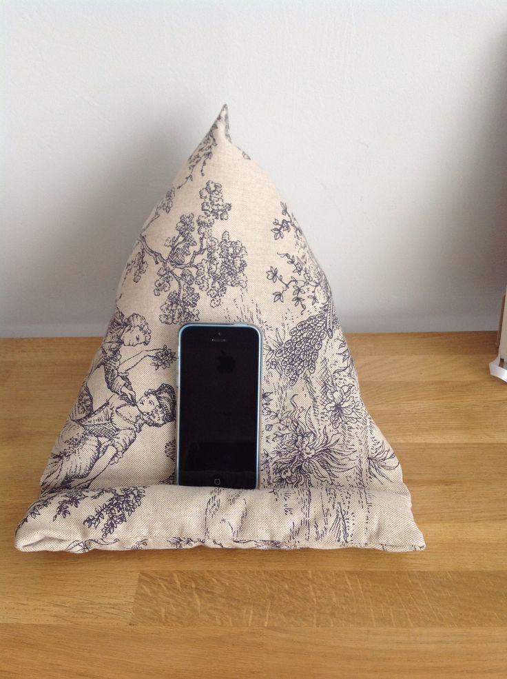 repose ipad berlingot en tissu fait maison et rapide. Black Bedroom Furniture Sets. Home Design Ideas