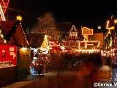 Spandauer Weihnachtsmarkt Der beliebteste Spandauer Weihnachtsmarkt ist jährlich der Weihnachtsmarkt in der Altstadt Spandau.