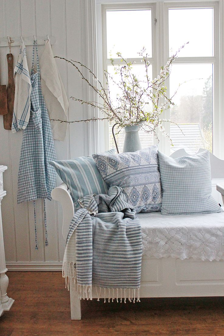 Blue and white bedroom - Soft Colors Living Ideas Colores Suaves Para El Living