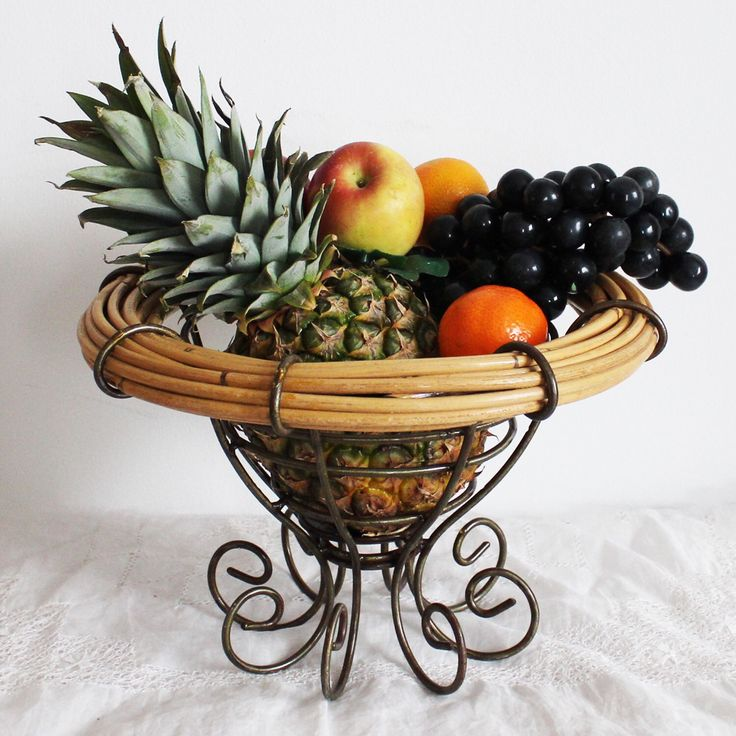 Vintage wicker fruits basket from England.