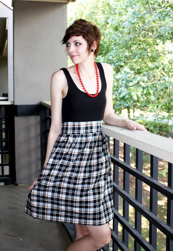 Easy (and cheap) dress from a tank or t-shirt and fabric