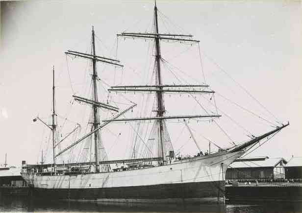 During her career as the glenlee and the islamount for Le pamir nantes