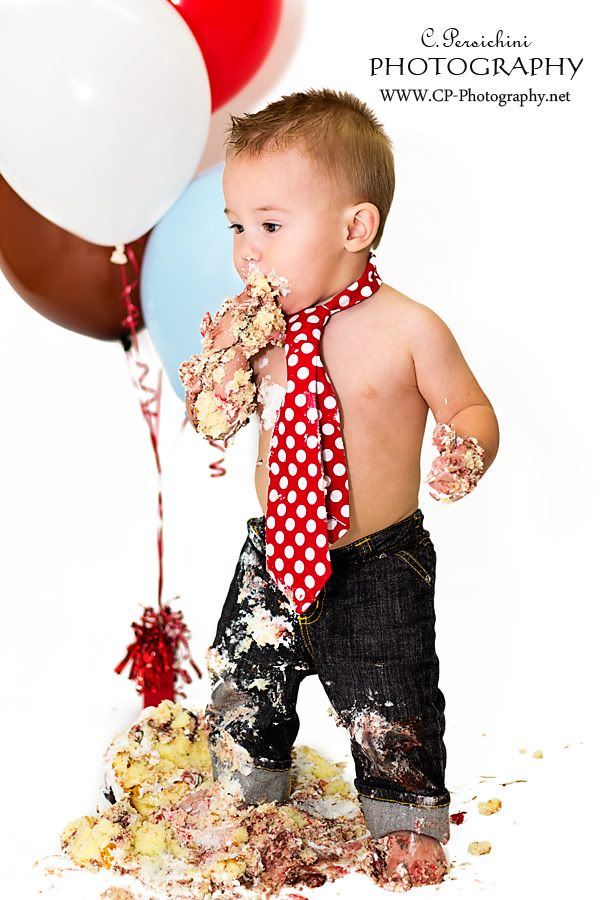 Little boy 1st birthday photo idea