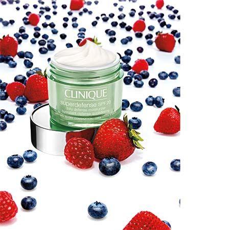 Pomozite i zaštite vašu kožu svaki dan Clinique Superdefense SPF 20 Daily Defense Moisturizer - Preparativa - Ogledalo Online Beauty magazin