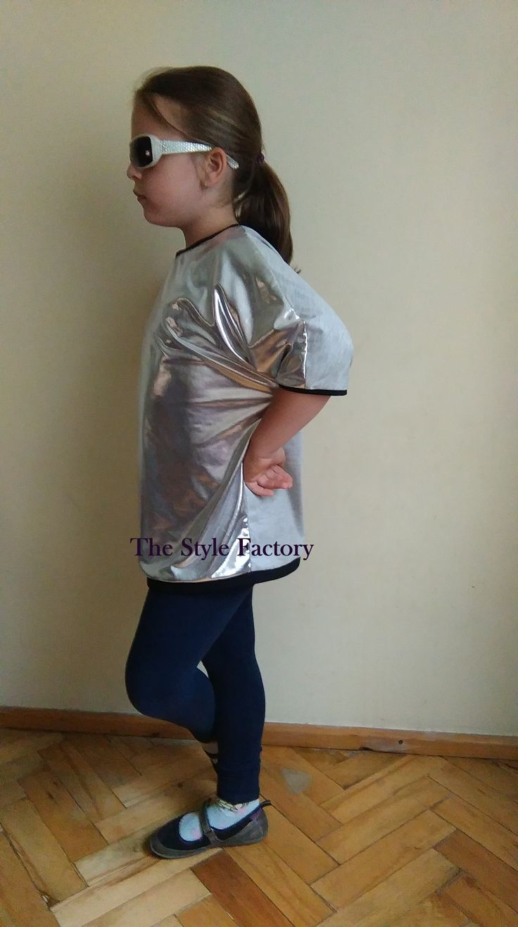 Oversize tunic in colour silver, gray and black // thestylefactory.pl //