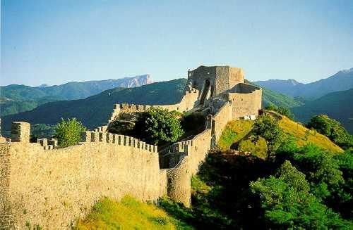 Fortezza delle Verrucole, Garfagnana, Tuscany...sorry it's not China :D
