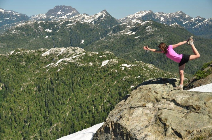 Yoga on the mountain tops! Heli tours with Atleo River Air Service at Clayoquot Wilderness Resort. www.wildretreat.com#yoga #wildretreat #mountains #glamping