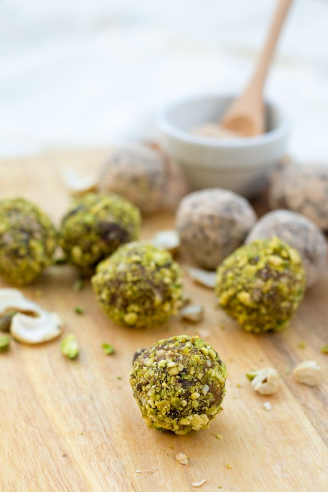 Delicious Pistachio Lemon Truffles, made with Medjool Dates, Lemon Zest, Cashews, Pistachios and Lucuma Powder. 100% Raw, Vegan and Gluten Free.