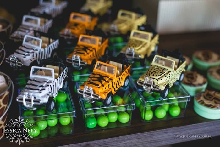 Safari Birthday Party Ideas | Safari Themed Birthday Party with So Many Cute Ideas via Kara's Party ...