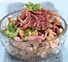 Вкусный и сытный с необычным соусом без майонеза. Название салата говорит само за себя, поэтому готовится быстро и просто. Ничего не надо отвариват...