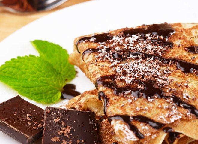 Блины с бананом и шоколадом   Ссылка на рецепт - https://recase.org/bliny-s-bananom-i-shokoladom/  #Десерты #блюдо #кухня #пища #рецепты #кулинария #еда #блюда #food #cook