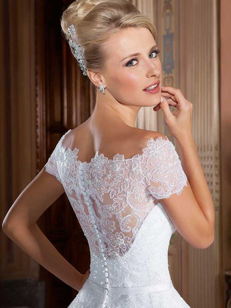 Gardênia 29 - costas (detalhe) #coleçãogardenia #vestidosdenoiva #noiva #weddingdress #bride #bridal #casamento #modanoiva
