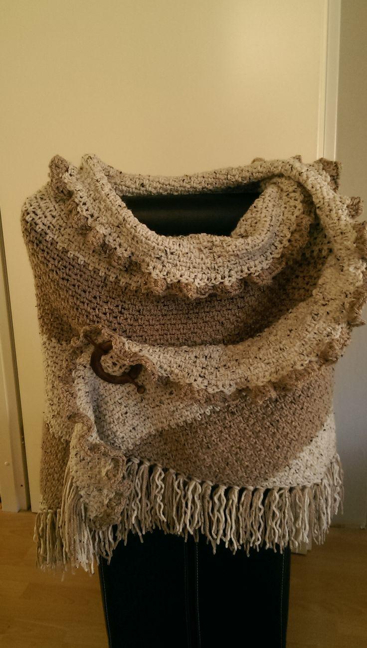 Gemaakt door mijzelf met de granietsteek. haaknaald 8 met de Tweed van de Zeeman.