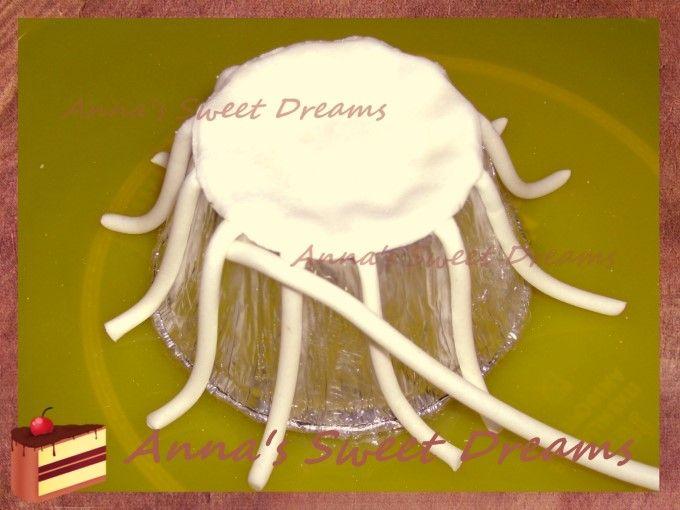 Плетеная корзинка с розочками