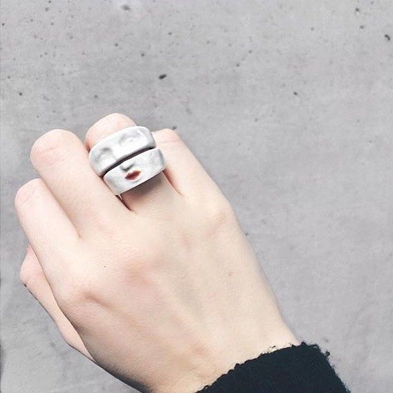 Our porcelain Angry Bitch Double Ring is showing way more bitchy-ness these days and we LOVE it. A ring that really packs some sass. Find yours in bio link. 👄👆#RyzeProject 📷: miiiisaaa