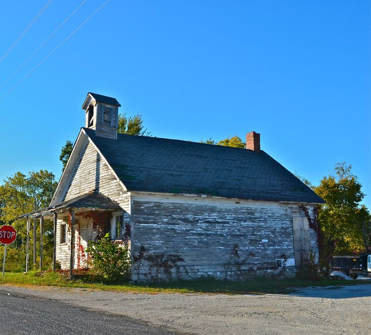 Phelps School, on old Route 66 in Lawrence County, MO. (Robert McCormick)
