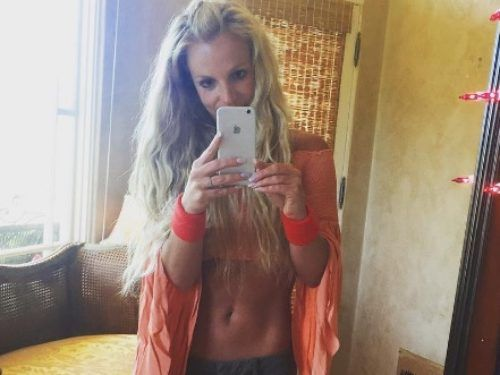 Britney Spears' turquoise bikini in her new Instagram post is ultimate