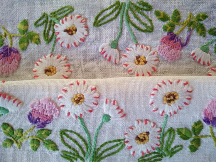CIRCLE OF WHITE DAISIES & CLOVER FLOWERS ~  Vintage Hand Embroidered Tablecloth FOR SALE • AUD 125.00 • See Photos! Money Back Guarantee. CIRCLE OF WHITE DAISIES & CLOVER FLOWERS ~ Vintage Hand Embroidered Tablecloth Click to view supersized image I have for sale a gorgeous ~ Vintage Hand Embroidered tablecloth with white 322462653859