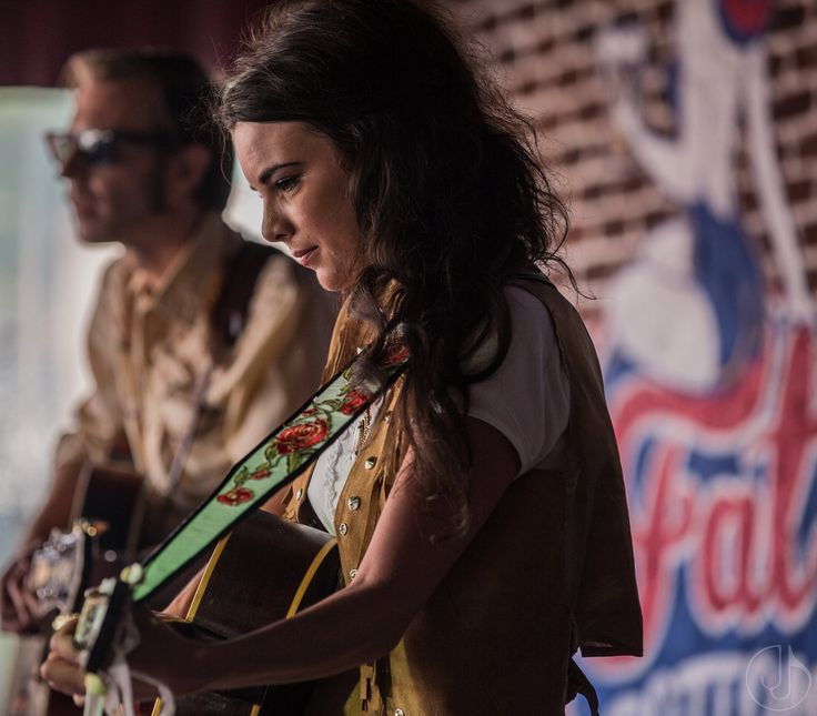 """WHITNEY ROSE RELEASES NEW SONG """"MY BOOTS"""" IN ADVANCE OF AMERICANAFEST…"""