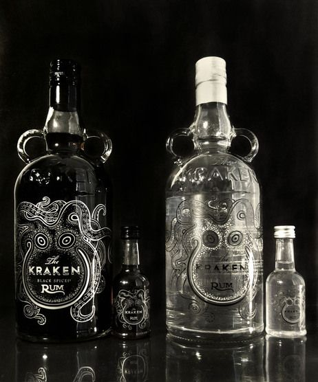 """The Kraken Packaging Redesign"". Botella de Ron 'Kraken'. Woah!!! Lo quiero. Punto."