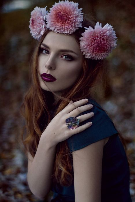 Model: Ana Maria Achim / MUA: Ioana Cristea / Hair: Iulian Urlan / Dress: Roxana Porumbacu / Photography: Oana Parache  #oanaparache #autumn #flowers #crown #twilight #magic #ring