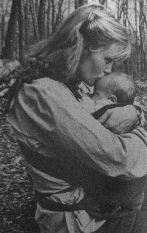 A lovely picture of Jessica Lange holding her baby daughter Shura