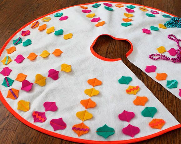 X Mas Tree Skirt 81