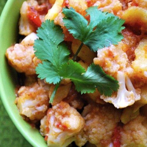 Hinduskie curry z kalafiora i ziemniaków
