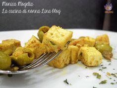Lo spezzatino tofu e olive è un secondo piatto che piacerà anche a chi non è vegano/vegetariano, piatto adatto a tutti, ottimo da servire in cene con amici.