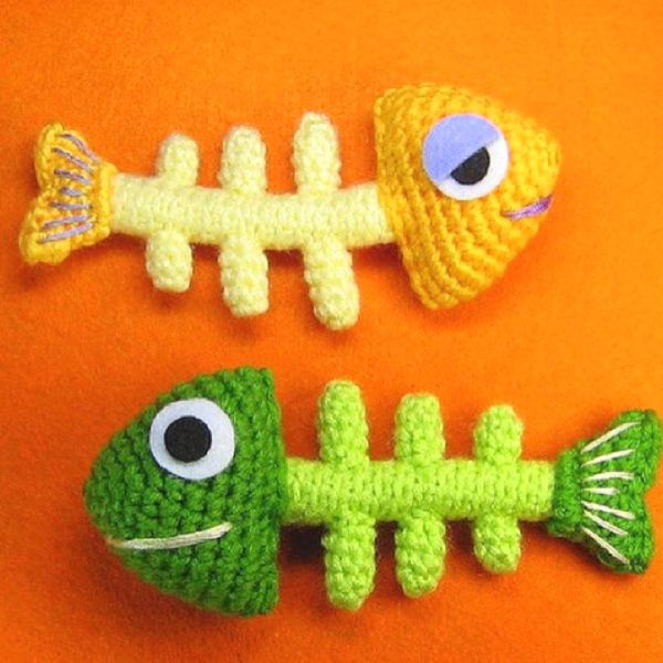 Wish I knew how to crochet! Crochet cat toys