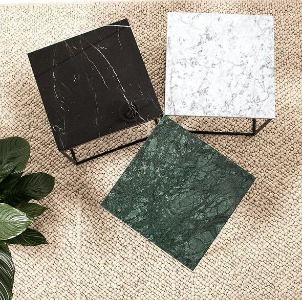 Grönt, svart, vitt, mindre marmorbord med svart stålram. Soffbord, hallbord, marmor, bord, möbler, inredning. http://sweef.se/bord/408-jaguaren-soffbord-i-marmor-50x50cm.html