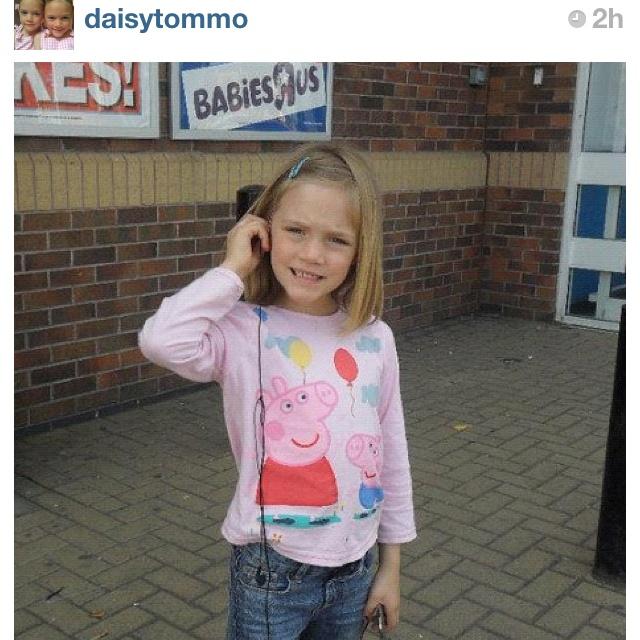 Daisy Tomlinson is adorable!!!!!