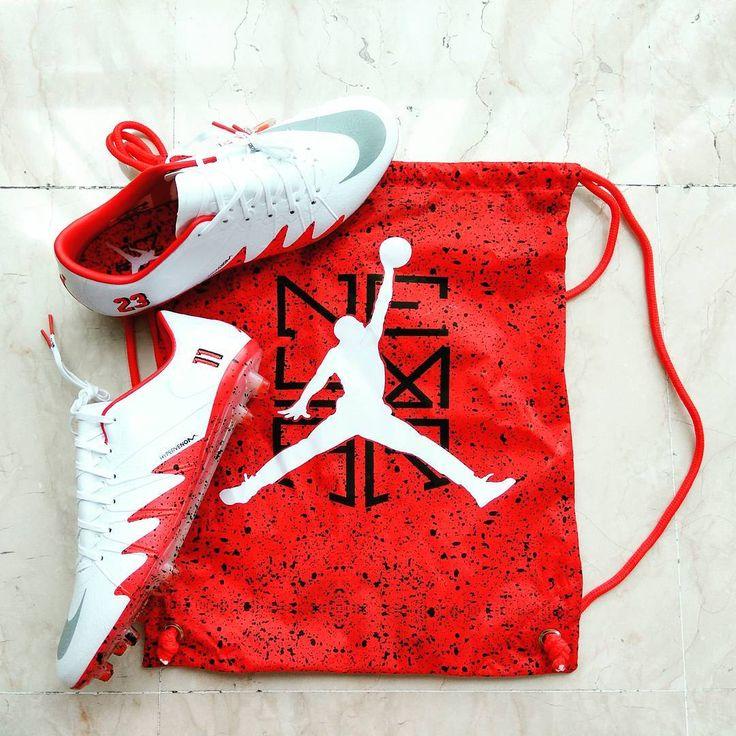 Tiba tiba will ikutan @f3rr1ck23 pengen beli sepatu bola nya Jordan .. #nike #hypervenom #neymarjordan