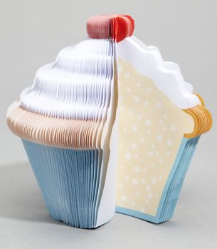 This cupcake notepad is pretty much the cutest thing ever!