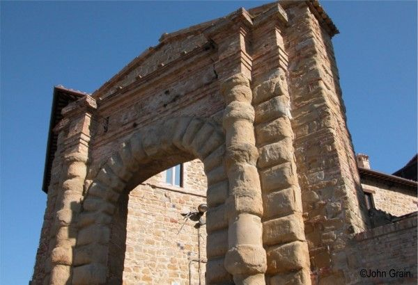#Camerino   #Painting Holidays In Italy #borgia arch