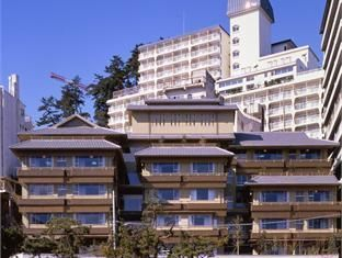 Izu / Atami Ohtsuki Hotel Wafukan Japan, Asia Stop at Ohtsuki Hotel Wafukan to discover the wonders of Izu / Atami. The property features a wide range of facilities to make your stay a pleasant experience. Car park, elevator, vending machine, shops, smoking area are there for guest's enjoyment. Each guestroom is elegantly furnished and equipped with handy amenities. Enjoy the hotel's recreational facilities, including sauna, spa, massage, karaoke, before retiring to your room ...
