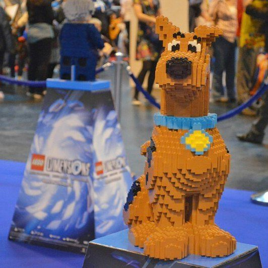 LEGO has the ability to add the Peter Pan syndrome.  No matter what age you are you're never too old to enjoy it.  This is something that applies to Mr Boo.  I think that having children who also love LEGO has enabled him to revert back to his childhood.  During the October half term the NEC in Birmingham held BRICKLIVE. A four-day event dedicated to all things LEGO.  Promising to be even better than last year it boasted amazing new releases the latest games and lots of bricks!  With Tigger…