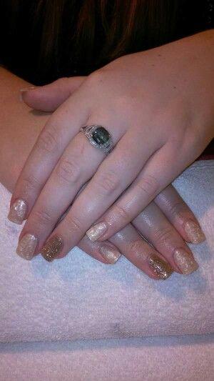 LCN #gelnails #bling #gold #LCNproductsonly #facebookgetnailedbyApril