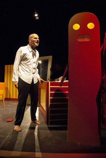 Luca Brancato e Hal in La morte di Ivan Il'ic di #Tolstoj  TeatroLieve, ottobre 2013 Foto di Massimo Fonsatti