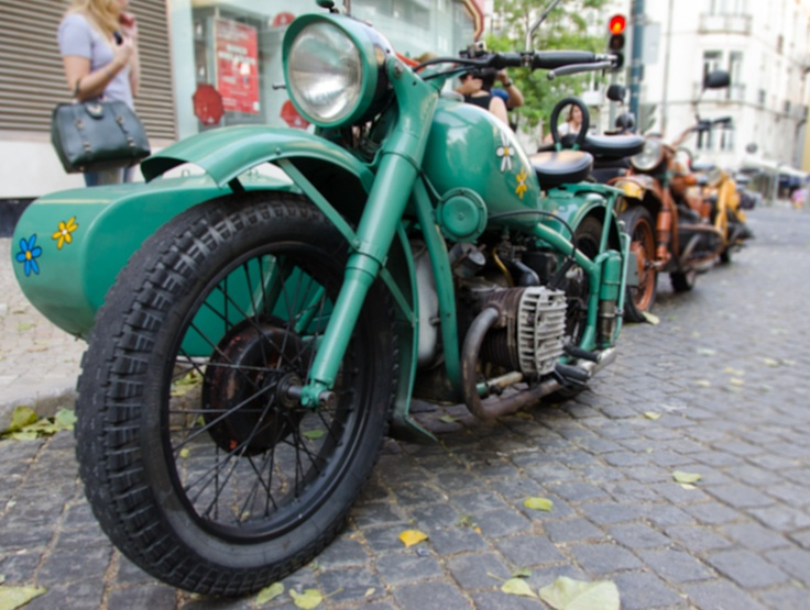 Anyone up for a motorcyle ride... with sidecar -- from Lisbon