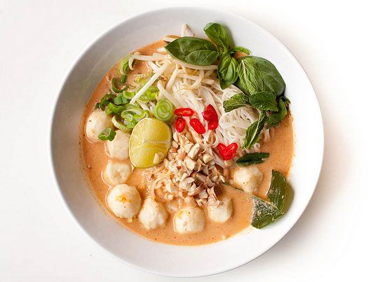 Noodles with thai fish curry kanom jeen namya http www for Rice noodle fish